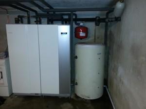 Markvärmeanläggning i Skavsta trakten installerad i totalrenoverat hus med total vvs lösning med golvvärme och radiatorer övervåning
